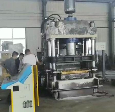 菏泽客户考察静压砖机设备