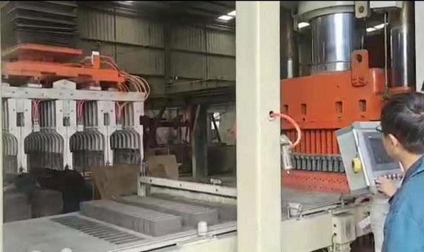 ZY1100液压制砖机生产灰砂砖