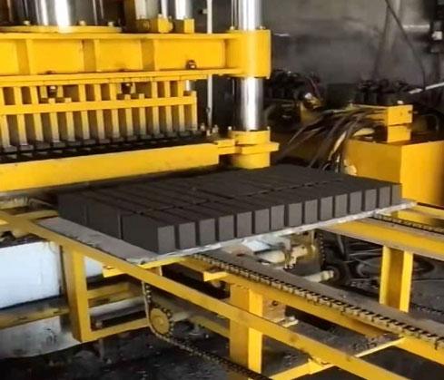 济宁客户400型静压砖机生产标砖,欢迎考察