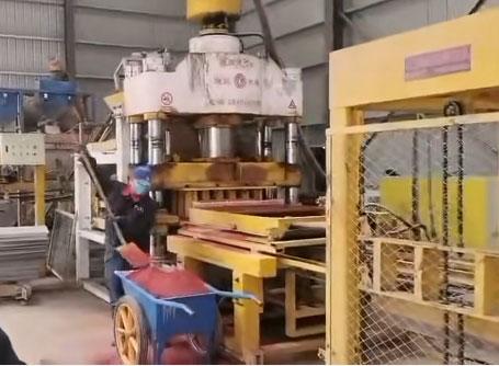 宁夏彩色路面砖机生产视频300*150