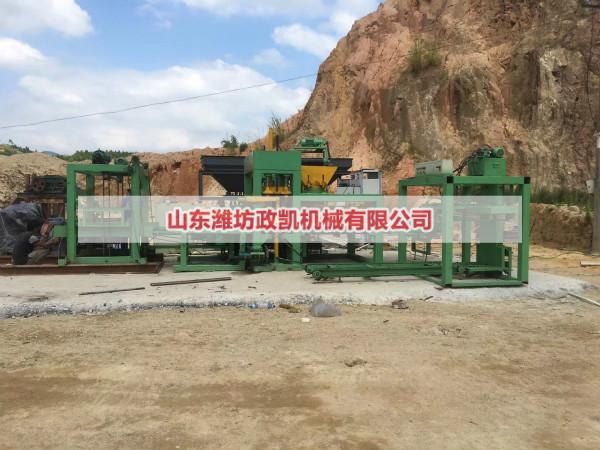 宁夏全自动水泥砖机安装调试完成投入正常生产